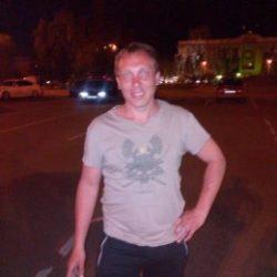 Парень ищу девушку или женщину любящую волшебный куни в Новосибирске