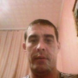Высокий, плечистый парень ищет девушку/шек для плотских утех и приятного общения в Новосибирске