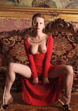Красотка с фигурой 90-60-90. Юна, стройна,без вредных привычек! Ищу мужчину для секса в Новосибирске!