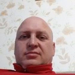 Молодой парень ищет девушку для одной или постоянных встреч в Новосибирске